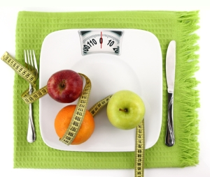 Scale-and-Healthy-Food_Weight-Loss